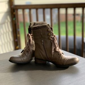 Taupe Winter Combat Boots Size 7